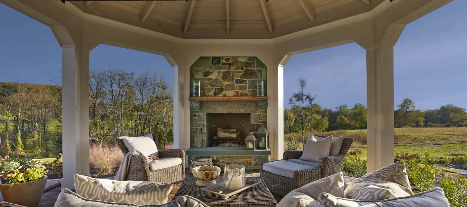 Dewson Construction - Gates Residence-Firepit-View